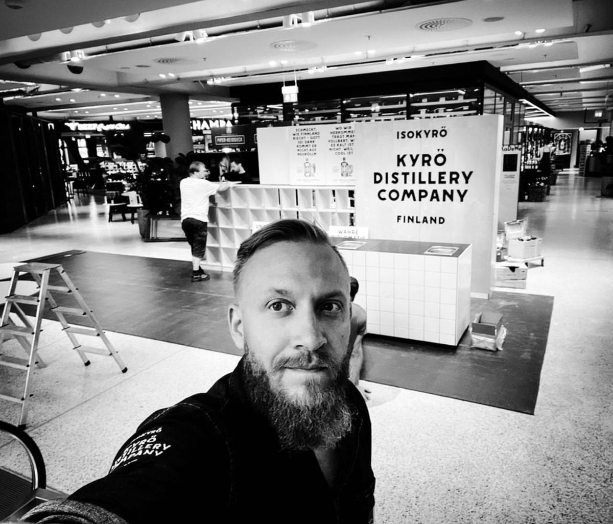 Kyrö Distillery popup bar at KaDeWe shopping mall by Framme and Tiina Rytkönen