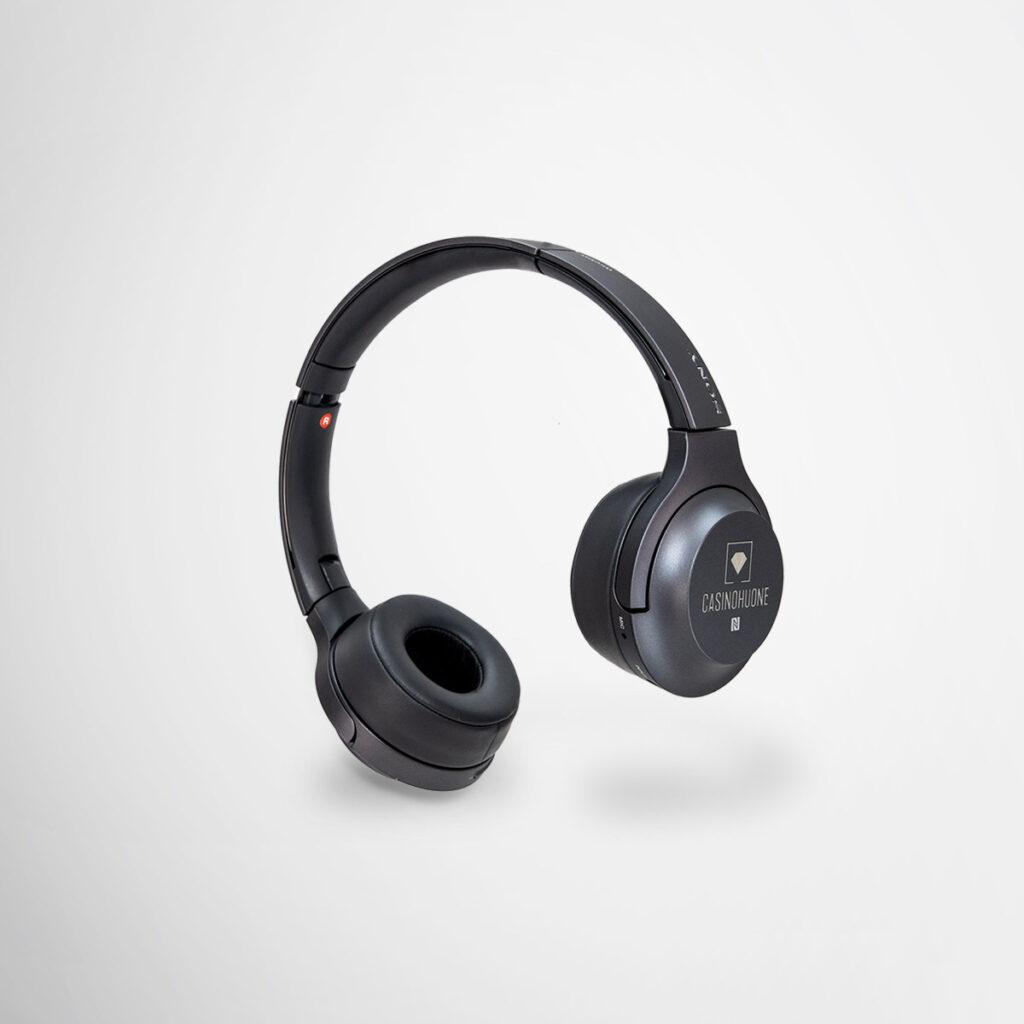 casinohuone Sony headphones